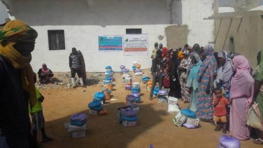 الهيئة الموريتانية لمواساة المحتاجين تنظم قافلة شهيد العمل الخيري أحمد ولد عبد العزيز (صور)