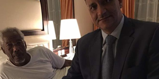 في أول ظهور له بعد العملية الرئيس مسعود في لقاء مع المبعوث الدولي إلى اليمن